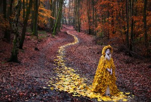 Kirsty Mitchell, The Journey Home, 2013